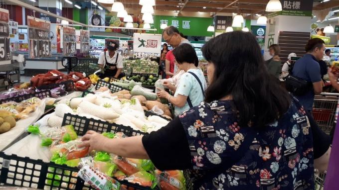 [新聞] 難見通膨也無通縮壓力 台灣物價陷入泥淖?