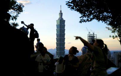 [新聞]  港申請移民台灣個案大增 於中國出生者傳遭嚴格審查